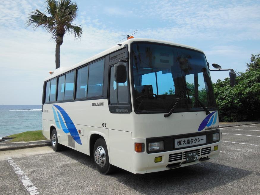 大島タクシー車両紹介貸切小型バス 定員26名(乗客24名) の写真