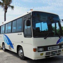 奄美大島観光 大島タクシー車両紹介貸切小型バス 定員26名(乗客24名) の写真