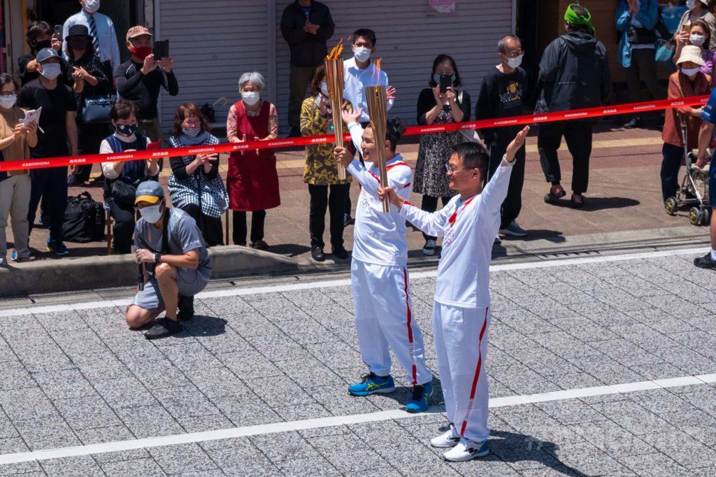 オリンピック聖火リレー 奄美大島なぜまち商店街 大島タクシー 4
